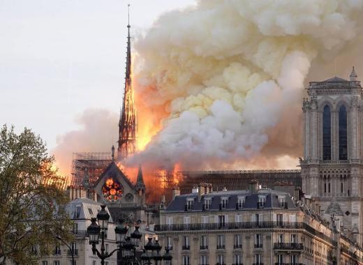 Rebâtir Notre Dame de Paris après l'incendie
