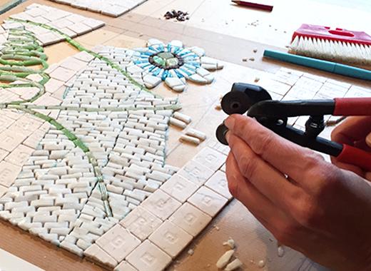 Un atelier pour Aliénor Roullier, mosaïste d'art