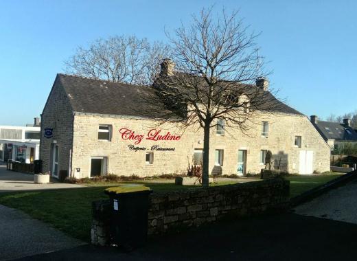 """""""Chez Ludine"""" crêperie-restaurant ouvrier"""