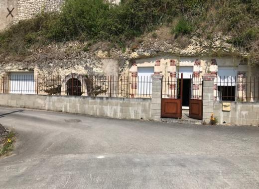 Atelier de céramique et gîte troglodytique en Touraine