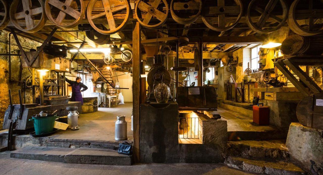Un plancher pour le Moulin de la Veyssière