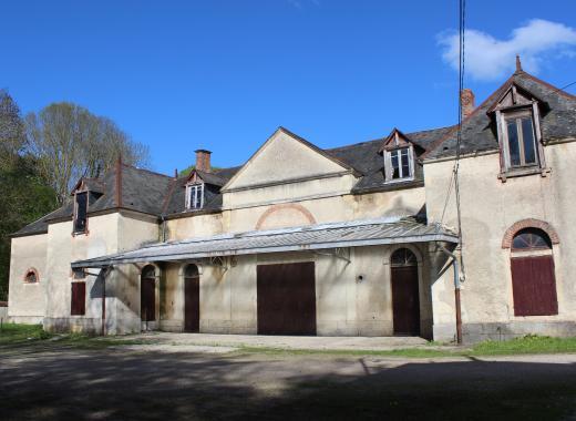 Restauration des toits des communs du château de Blet